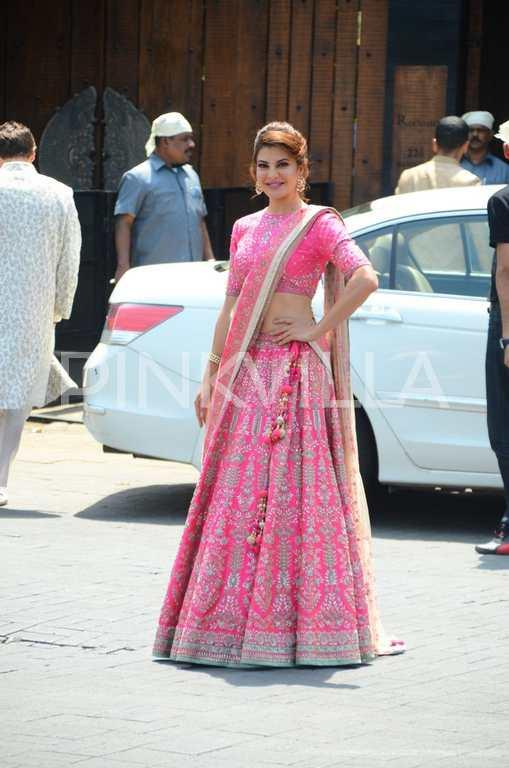 Jacqueline Fernandez Stuns In Hot Pink At Sonam Kapoor And