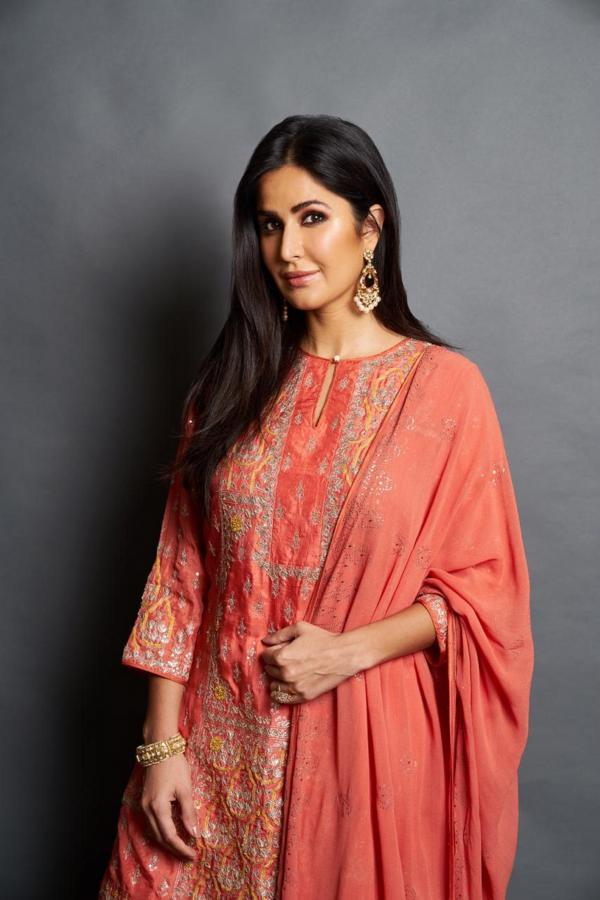 3b1b0574d6 For Eid, Kaif picked out a bright coloured desi outfit by Anita Dongre. The  kurta-sharara set was perfect for the festivities and she looked gorgeous  in the ...