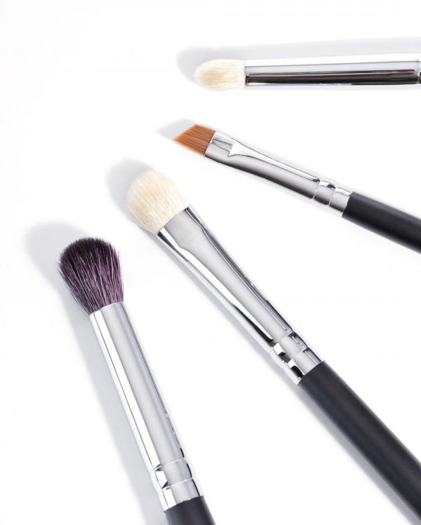 Eye makeup brushes must haves