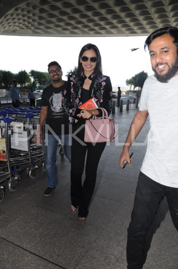 Airport diaries manushi chhillar rocks the embroidery for Decor international sonepat