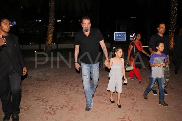 Sanjay Dutt dines out with family