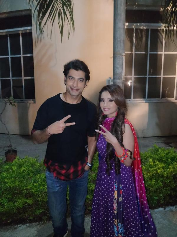 Muskaan star Ssharad Malhotra gets a lovely surprise from friend