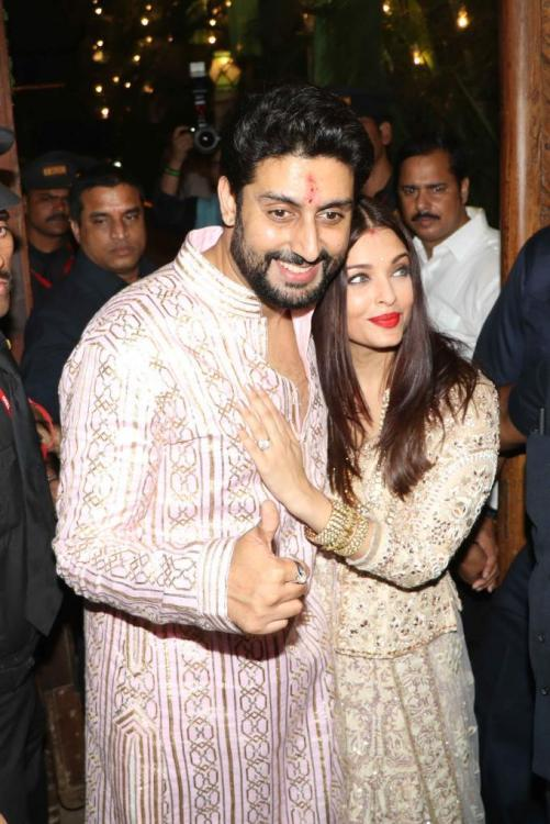 bachchan-family-diwali-celebration-2016_1477976890140_0 Blissful Diwali: From Bachchans to Ekta Kapoor, listed here are the star studded events to stay up for this season