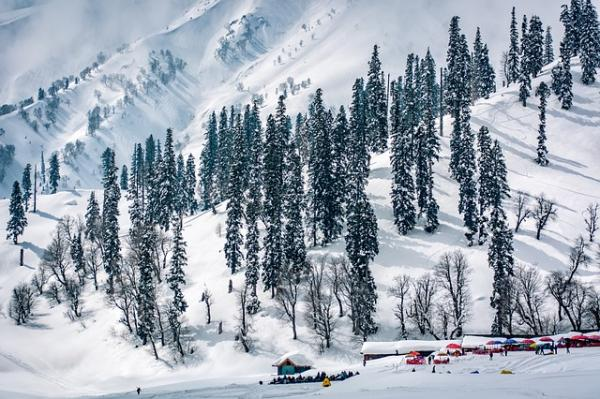 landscape-2176347_640_0 Need to go Snowboarding? THESE are the locations in India that you need to go to