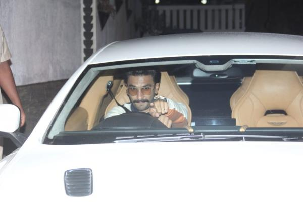 photo-2019-09-15-18-58-17 PHOTOS: Deepika Padukone makes a classy look; Ranveer Singh will get papped within the metropolis