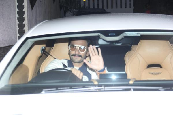 photo-2019-09-15-18-58-31 PHOTOS: Deepika Padukone makes a classy look; Ranveer Singh will get papped within the metropolis