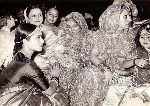 In A Certain Portion The Book Yaseer Has Revealed How Rekha Shocked Everyone At Rishi Kapoor Neetu Singh Wedding By Wearing Sindoor On Her Forehead