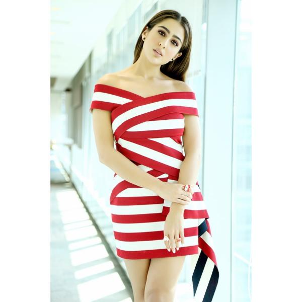 sara_in_a_stiped_mini_dress_3 Sara Ali Khan makes heads flip in a striped mini gown for Love Aaj Kal promotions; Yay or Nay?