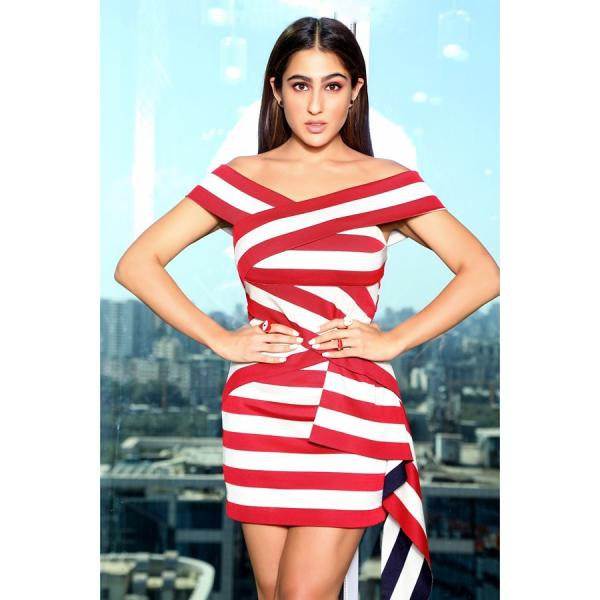 sara_in_a_stiped_mini_dress_4 Sara Ali Khan makes heads flip in a striped mini gown for Love Aaj Kal promotions; Yay or Nay?