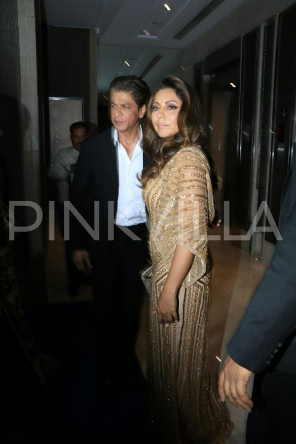 Shah Rukh Khan And Gauri Khan Walk Hand In Hand At Hello
