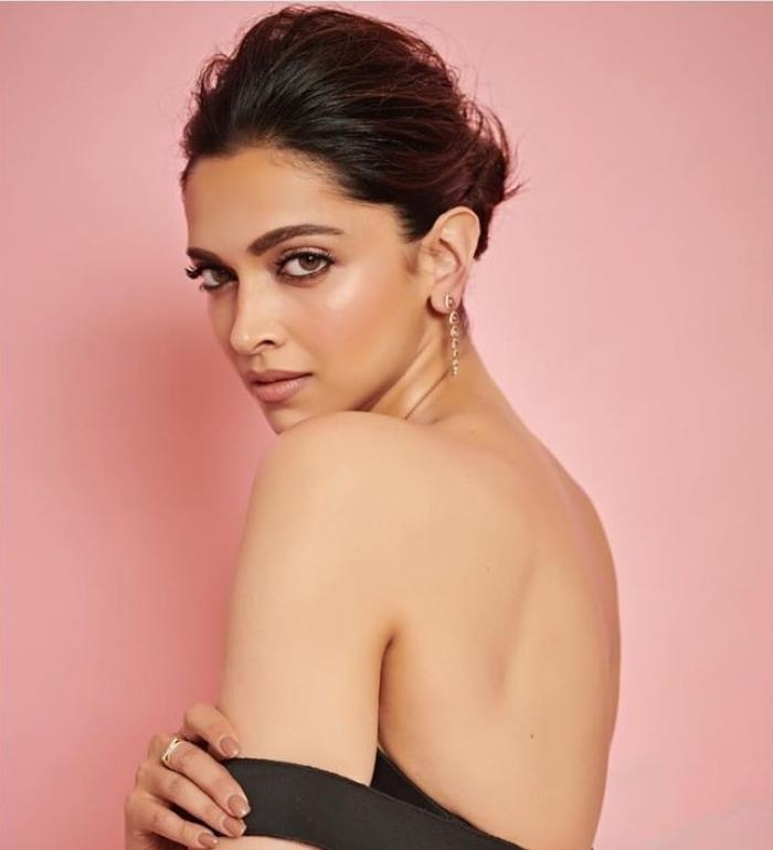 Deepika Padukone doubles up as the perfect Disney princess in a pink tulle at the MAMI Film Festival
