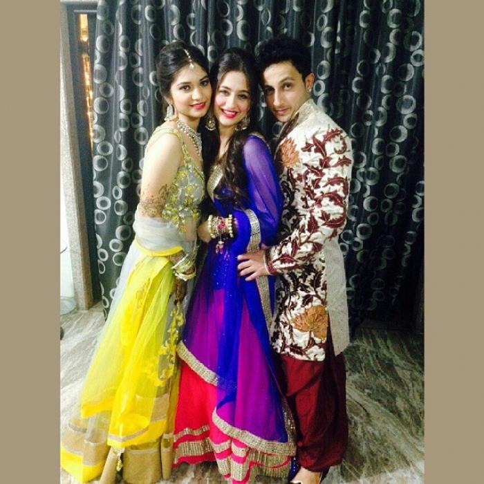 Sanjeeda Sheikh With Husband Aamir Ali At Her Brothers Wedding