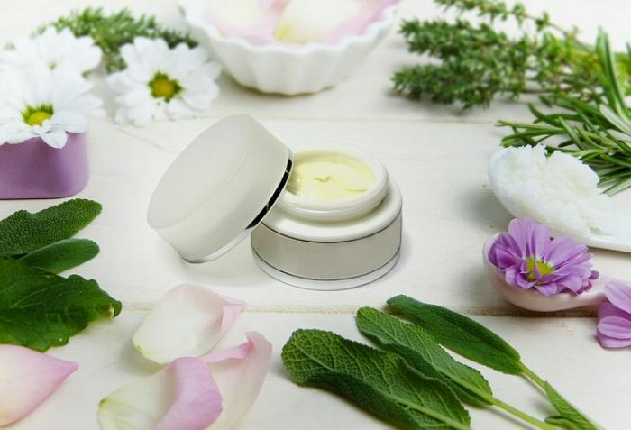 Night Creams: What and how they help & benefits of using them regularly while making the most of beauty sleep