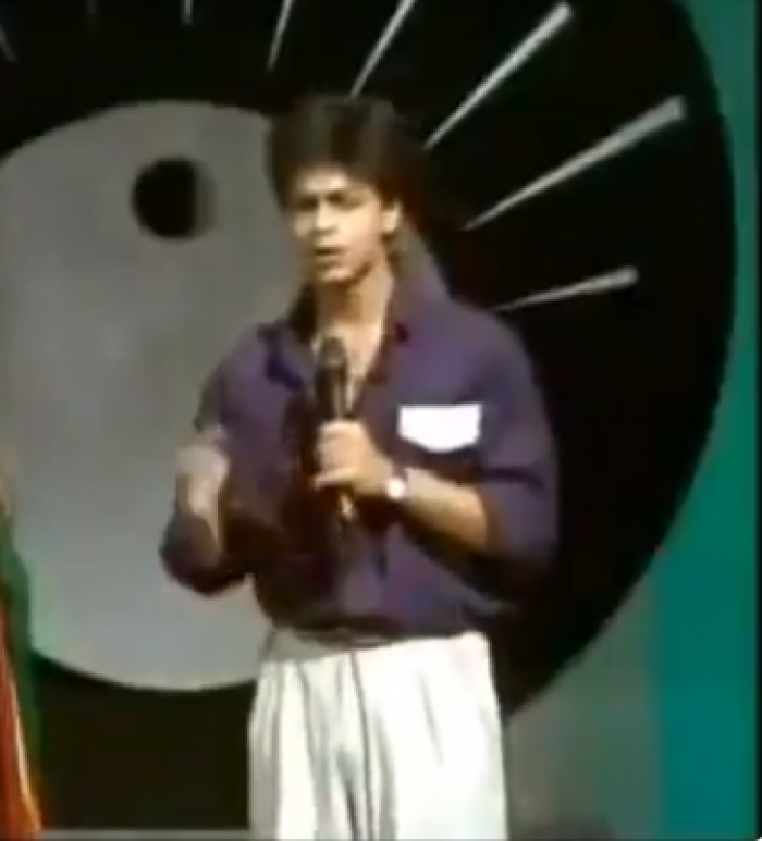 Shah Rukh Khan lights up the internet in THIS throwback video as he turns anchor for a show; WATCH