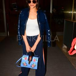 Deepika Padukone jet sets to LA, spotted at the airport!