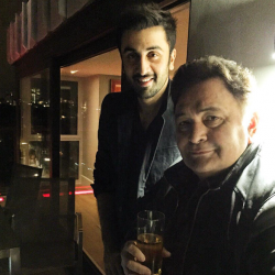 I do wish sometimes that I could be friendlier with him! - Ranbir pens a foreword for dad Rishi Kapoor's autobiography