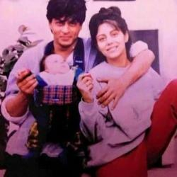 Vintage Tuesday! This old school photo of Shah Rukh Khan and Gauri Khan with their baby is adorable