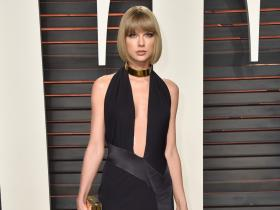 6 Times Taylor Swift gave cues on how to rock a thigh high slit outfit with confidence