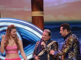 Bigg Boss 12: Anup Jalota and Jasleen Matharu come out with their relationship on National TV