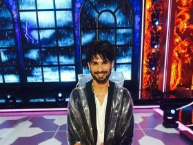 Karan Johar reveals Shahid\'s monsoon avatar