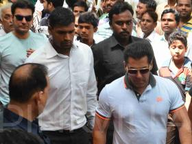 Salman Khan attends funeral ceremony of a family friend