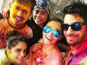 Happy Holi 2019: Photos of Bollywood celebrities who partied hard over the years during Holi; Check them out