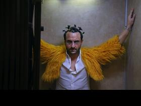 Kaalakaandi\'s new still: Saif Ali Khan\'s extreme makeover and intense eyes will shock you