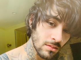 PHOTOS: Zayn Malik's shirtless selfies will make it hard for you to take your eyes off him; Check it out