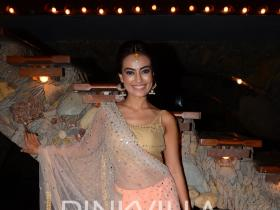 This is what Surbhi Jyoti will be wearing for Kishwer and Suyyash\'s wedding!