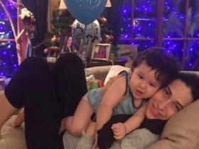 PHOTOS: Taimur Ali Khan\'s cute moments with his aunt Karisma Kapoor will win your heart