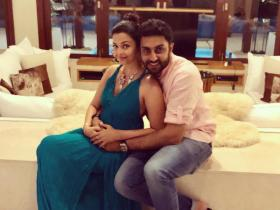 Aishwarya Rai Bachchan and Abhishek Bachchan\'s THESE pics are too cute to miss; Check it out