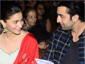 Alia Bhatt and Ranbir Kapoor\'s love story: From the time they first met to them being in a relationship