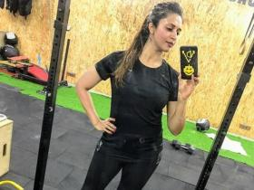 Divyanka Tripathi\'s workout pics will motivate you to shed those extra pounds; Check it out