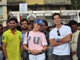 Jacqueline Fernandez launches Dino Morea's fitness station