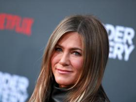 Jennifer Aniston\'s Skincare Secrets: Here\'s how the Friends star maintains her youthful glow