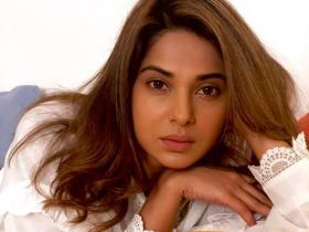 Jennifer Winget\'s THESE photos are hard to miss; Check them out