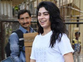 Khushi Kapoor to Ibrahim Ali Khan: When star kids stepped out in uber cool white tee shirts; Check PHOTOS