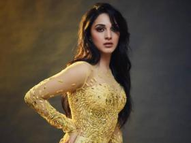 Kiara Advani raises the temperature as she flaunts her toned figure in bodycon dresses; Check Photos