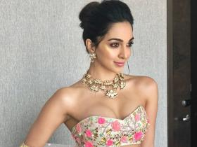 Kiara Advani recreates romantic floral looks with these experimental outfits; Check PHOTOS
