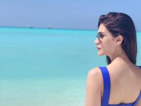 Arjun Patiala star Kriti Sanon\'s beach vacay pics will STEAM up your screen; Check it out