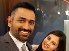 MS Dhoni and Sakshi Dhoni\'s cute pictures will make you root for the couple even more; Check it out