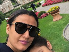 Namrata Shirodkar\'s special moments with daughter Sitara will tug at your heart; Check it out