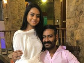 Nysa Devgn\'s special moments with Ajay Devgn prove she\'s her daddy\'s little girl; Check it out