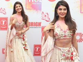 PHOTOS: Jacqueline Fernandez stuns in a white outfit as she attends a Holi bash in the city