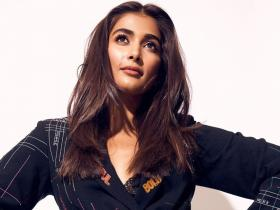 Pooja Hegde pulled off these black outfits and made fans fall in love with her style; Check PHOTOS