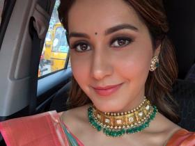 Raashi Khanna\'s Interesting Facts: From Ranbir Kapoor being her favourite actor to working as a copywriter