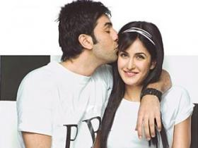 \'I am not engaged to Ranbir\' - Katrina