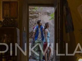 This beautiful picture of Ranbir and Deepika from \'Tamasha\' will make your day!
