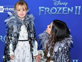Selena Gomez\'s THESE pics with her sister Gracie Teefey will melt your heart; Check it out