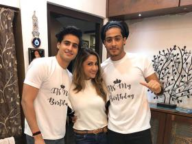 Urvashi Dholakia\'s pictures with her twins Kshitij and Sagar are unmissable; Check it out